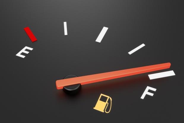Zmiany cen paliw niemal niezauważalne