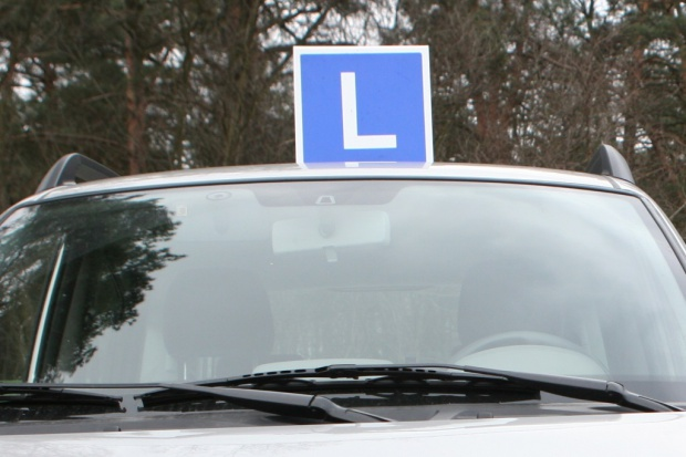 Nie będzie zaostrzenia egzaminów na prawo jazdy. Na razie