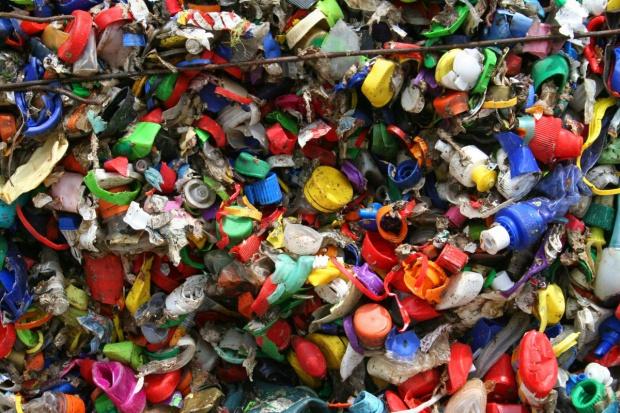 Polska musi poradzić sobie z odpadami z tworzyw sztucznych
