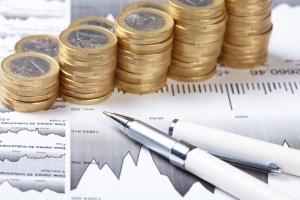 EUR/PLN poniżej 4,34; plan luzowania fiskalnego ciąży obligacjom