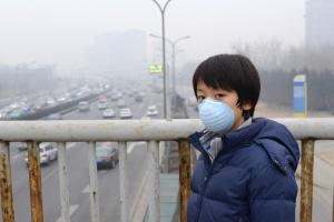 Pomarańczowy alarm smogowy w Pekinie
