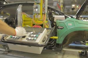 Przemysł 4.0 dokręca śruby w autach i wystawia certyfikat dla klienta