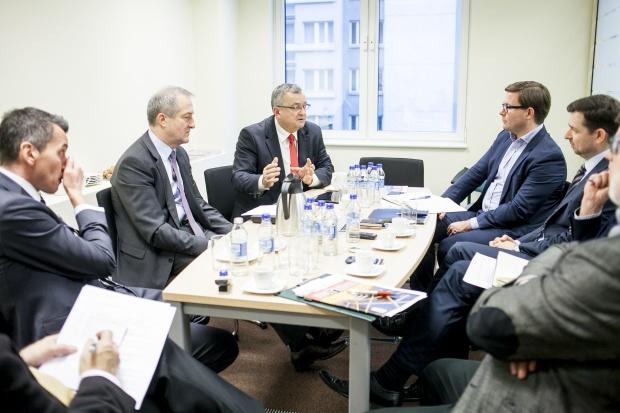Rynek budowlany liczy na nowe otwarcie w kontaktach z rządem. Debata z udziałem ministra