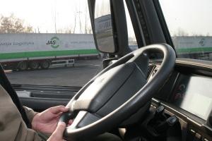 W Sejmie projekt by niesłyszący mogli zdobyć prawo jazdy na ciężarówkę