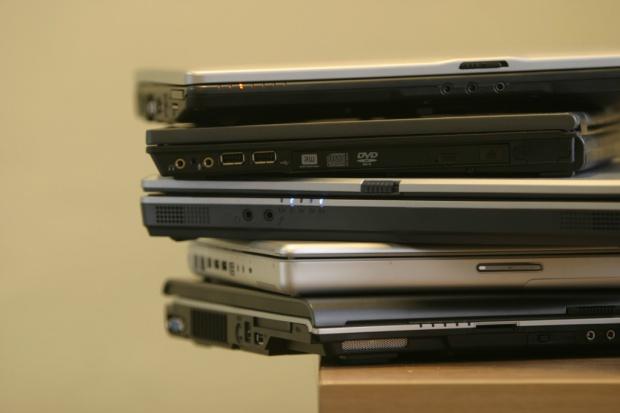 Sądy wyposażają się w laptopy