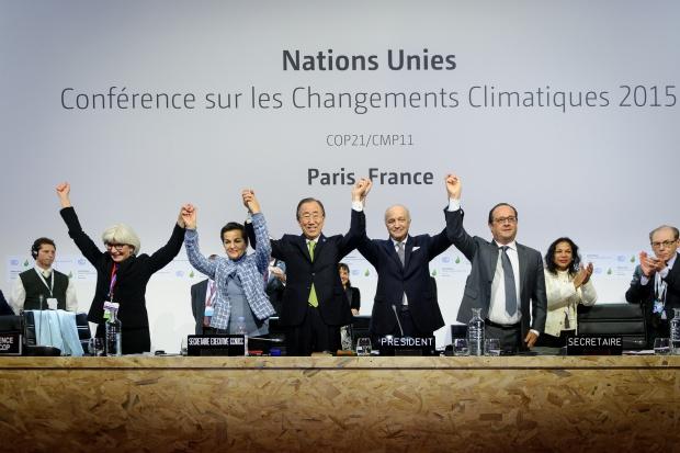 Światowe porozumienie ws. ochrony klimatu przyjęte