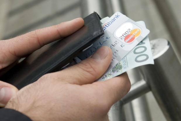 ZBP: banki będą reagować na nowy podatek