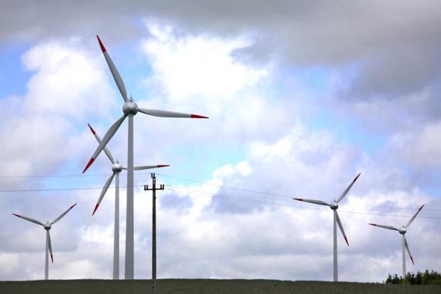 Prawie 40 proc. wzrost produkcji prądu z wiatru