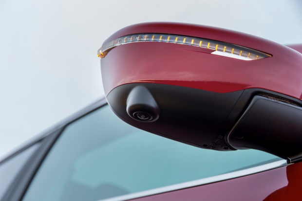 Nissan bije rekordy w sprzedaży... kamer
