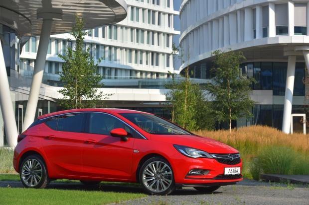 Opel mierzy wysoko