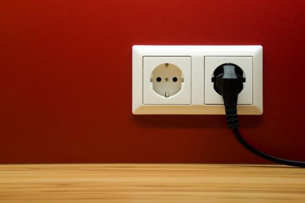URE: ceny prądu będą w 2016 r. niższe