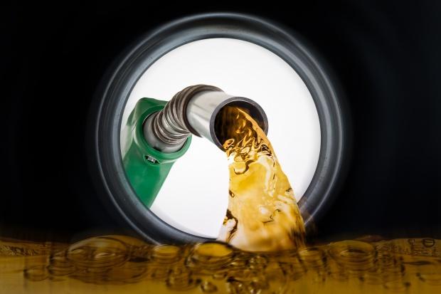 Auta zużywają ok. 25 proc. paliwa więcej niż podają producenci
