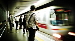 Nowe zabezpieczenia w japońskich portach lotniczych, metrze i na kolei