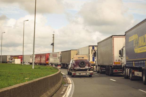 W porcie Calais zagrożone jest życie kierowców