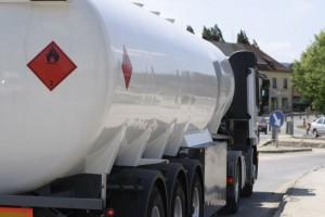 Rośnie udział importu w konsumpcji paliw