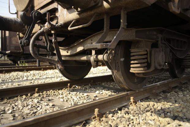 Wykoleił się pociąg z 200 tys. litrów kwasu siarkowego