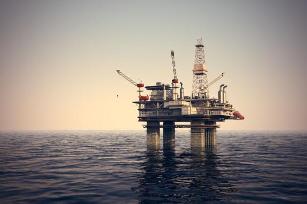 Wielka fala uderzyła w platformę wiertniczą na Morzu Północnym