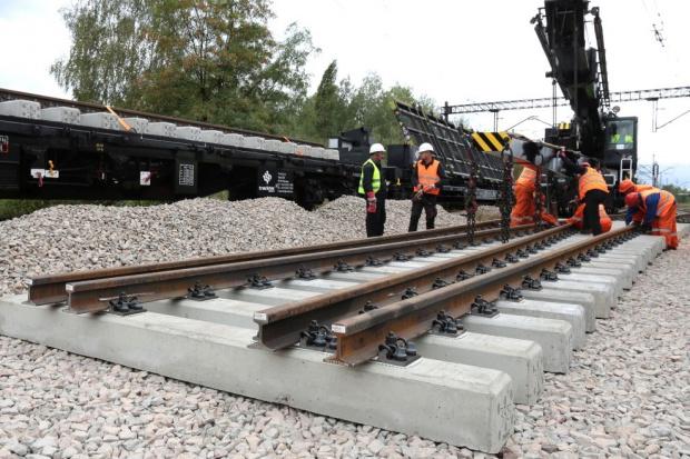 Wznowiono prace przy modernizacji linii Warszawa-Lublin