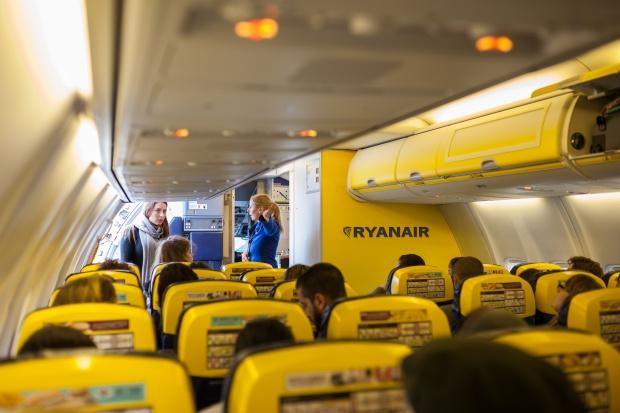 Ryanair zmienia kolor wnętrz samolotów