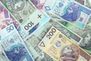 Wartość banknotów będących w obiegu w Polsce wzrosła ponad 2-krotnie w ciągu dekady