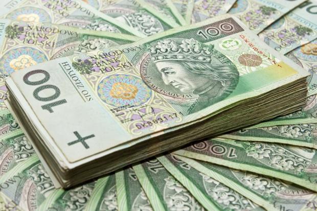 MF: 7,5 mld zł z podatku bankowego i od hipermarketów