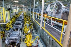 Linia produkcyjna w słowackiej fabryce Kia w Żylinie. fot. Kia