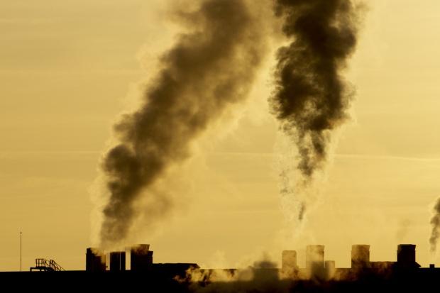 Pekin rezygnuje z węgla, przechodzi na gaz