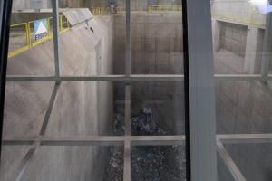 Według założeń, obiekt będzie przerabiać 94 tys. ton zmieszanych odpadów rocznie, produkując przy tym energię cieplną i elektryczną.