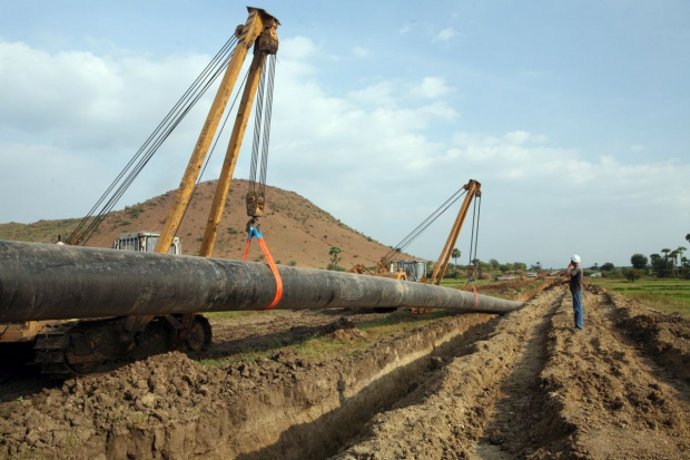 Gaz-System ma pięciu chętnych na budowę dużego gazociągu