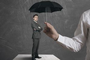 Raport: inwestorzy muszą zasłużyć na państwowe wsparcie