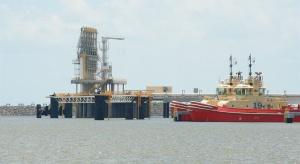 Jest decyzja o budowie za 10 mld dol. wielkiego terminala LNG. Gaz z niego może trafić do Polski