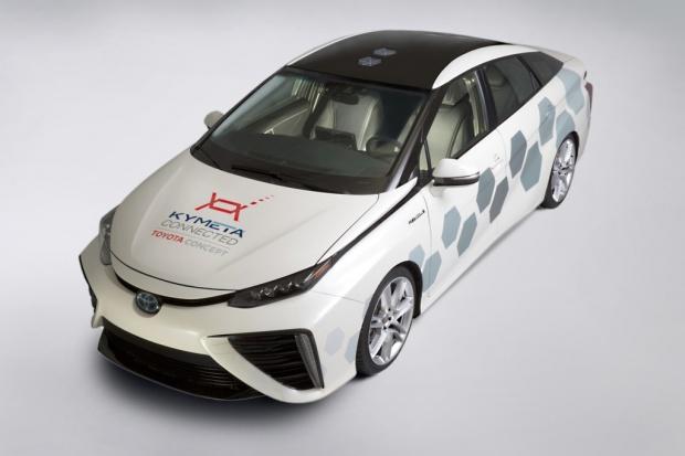 Eksperymentalna Toyota Mirai z funkcją łączności satelitarnej