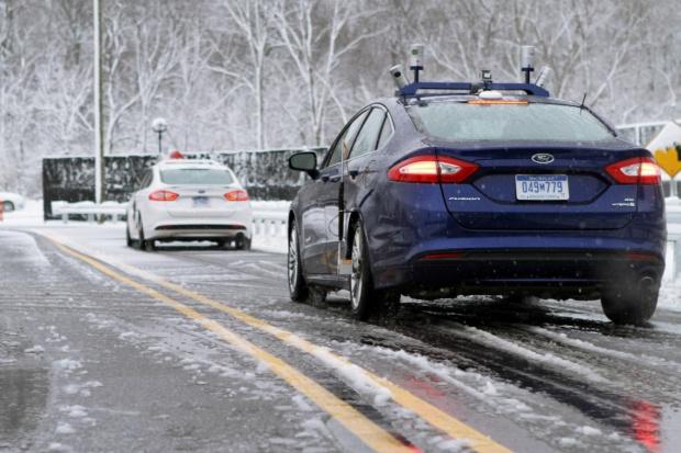 Pierwsze testy samochodu autonomicznego na śniegu