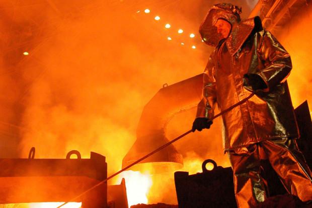 W 2015 r. wzrosła produkcja i zużycie stali; spadły ceny