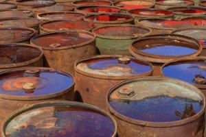Nielegalne składowisko odpadów chemicznych w Brzegu