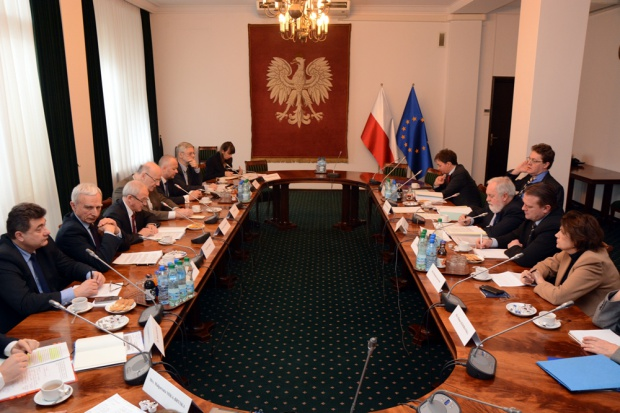 Rozmowy ministra Tchórzewskiego z komisarzem Canete o gazie i unijnym rynku energii