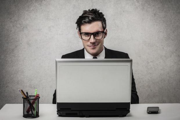 Tylko jedna trzecia europejskich firm chce przejść na dokumentację cyfrową