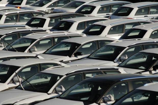 Unijny rynek przyjął w ub.roku ponad 13,7 mln aut osobowych