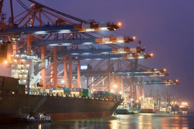 Mniejsze na ogół przeładunki morskich terminali