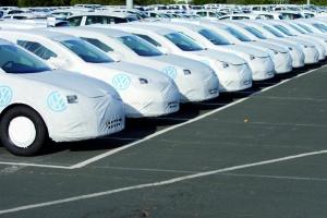 Volkswagen znalazł tymczasowy parking dla samochodów niedopuszczonych do ruchu... na lotnisku