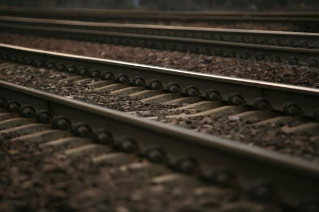 Ruszają pociągi z Olsztyna do lotniska w Szymanach