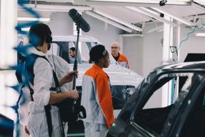 Pracownicy Volvo podczas kręcenia spotu. fot. Volvo