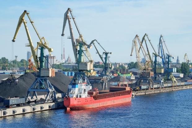 """""""Tradycyjne"""" zmiany frachtu na rynku drobnicy morskiej"""