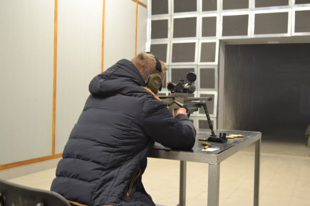 Pasjonaci broni odwiedzili ZMT