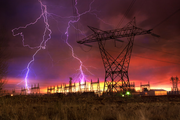 Śląskie: przywrócono dostawy prądu po burzach i nawałnicach