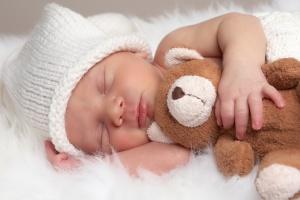 Rynek pracy skłania do coraz późniejszego macierzyństwa