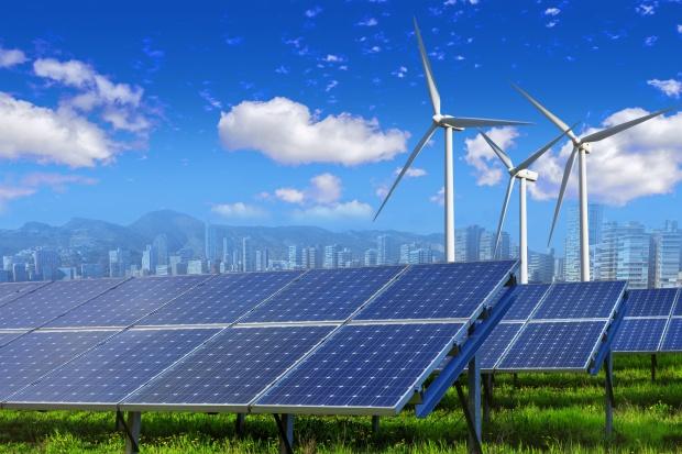 M. Kurtyka, ME: nie możemy przejść bez słowa wobec rewolucji w energetyce
