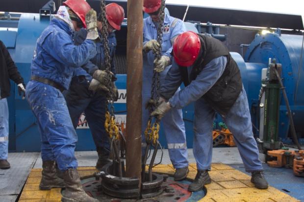 Zastój w poszukiwaniu i wydobyciu ropy i gazu
