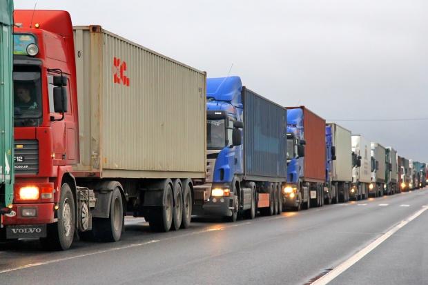 Ukraina. Rozszerza się blokada rosyjskich ciężarówek