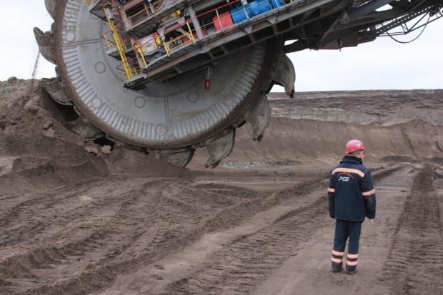 Pracownicy ochrony blokowali drogę do kopalni i elektrowni w Bełchatowie